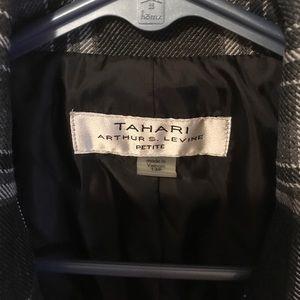 Tahari Jackets & Coats - Tahari tweed blazer 12p - NWT - never worn!